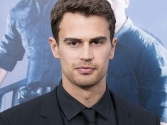 "Theo James - ""The Divergent Series: Allegiant"" World Premiere - 2"