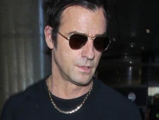 Justin Theroux Sighted at LAX Airport on March 9, 2017