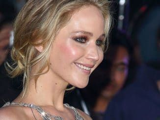 "Jennifer Lawrence - ""Mother!"" UK Premiere - Arrivals - 2"