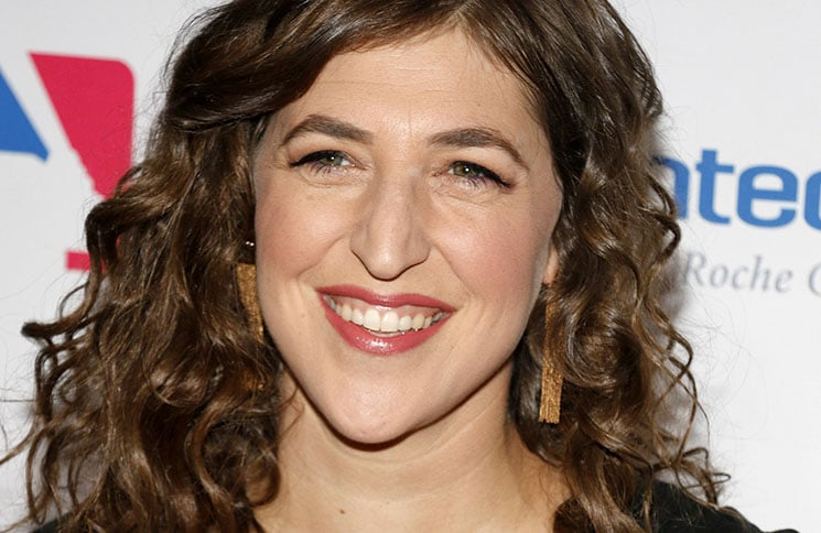 Mayim Bialik - Hollywood Unites For The 5th Biennial Stand Up To Cancer (SU2C) - Arrivals - 2