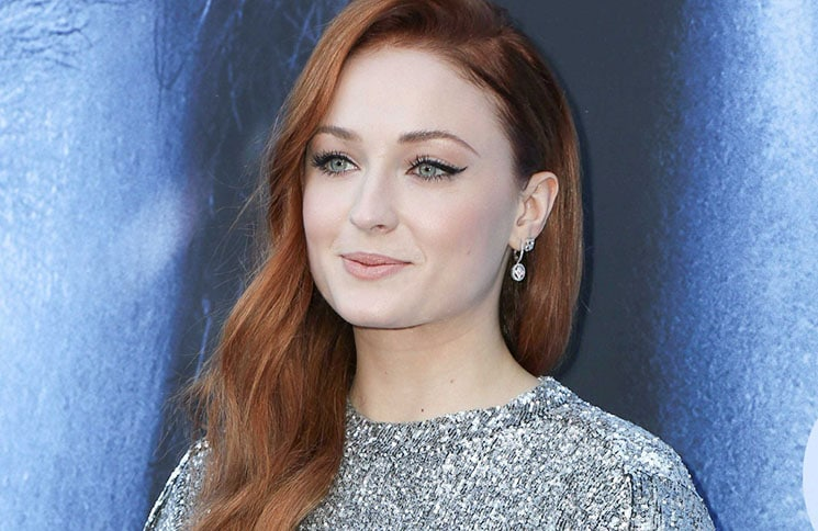 """Game of Thrones"": Sophie Turner verspricht Brutalität - TV News"