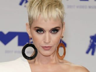 Katy Perry - 2017 MTV Video Music Awards - 4