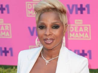 "Mary J. Blige - VH1's 2nd Annual ""Dear Mama: An Event to Honor Moms"" - Arrivals"