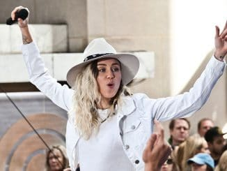 "Miley Cyrus in Concert on NBC's ""The Today Show"" at Rockefeller Plaza in New York City - 4"