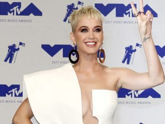 Katy Perry - 2017 MTV Video Music Awards - 6