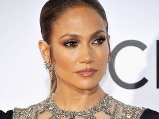 Jennifer Lopez - People's Choice Awards 2017 - 2