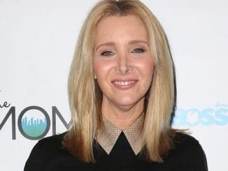 "Lisa Kudrow - The Moms and Subway Restaurant Host a Mamarazzi Event for ""The Boss Baby"" - Four Seasons Hotel"