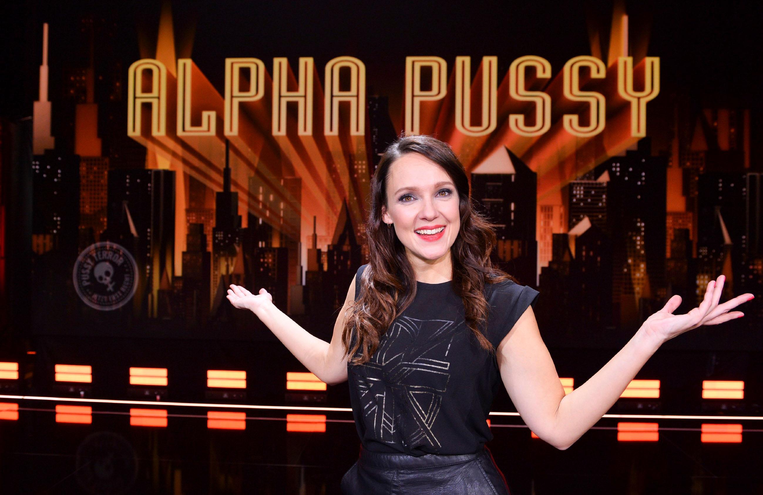 Carolin Kebekus Alpha Pussy