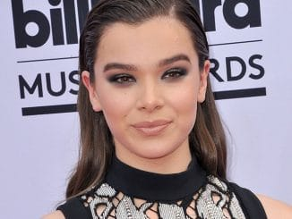 Hailee Steinfeld - 2017 Billboard Music Awards