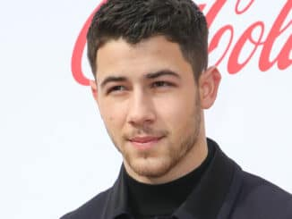 Nick Jonas - Gold Meets Golden: The 5th Anniversary