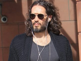 Russell Brand Sighted Shopping in Beverly Hills on January 4, 2018