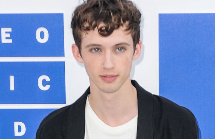 Troye Sivan - 2016 MTV Video Music Awards