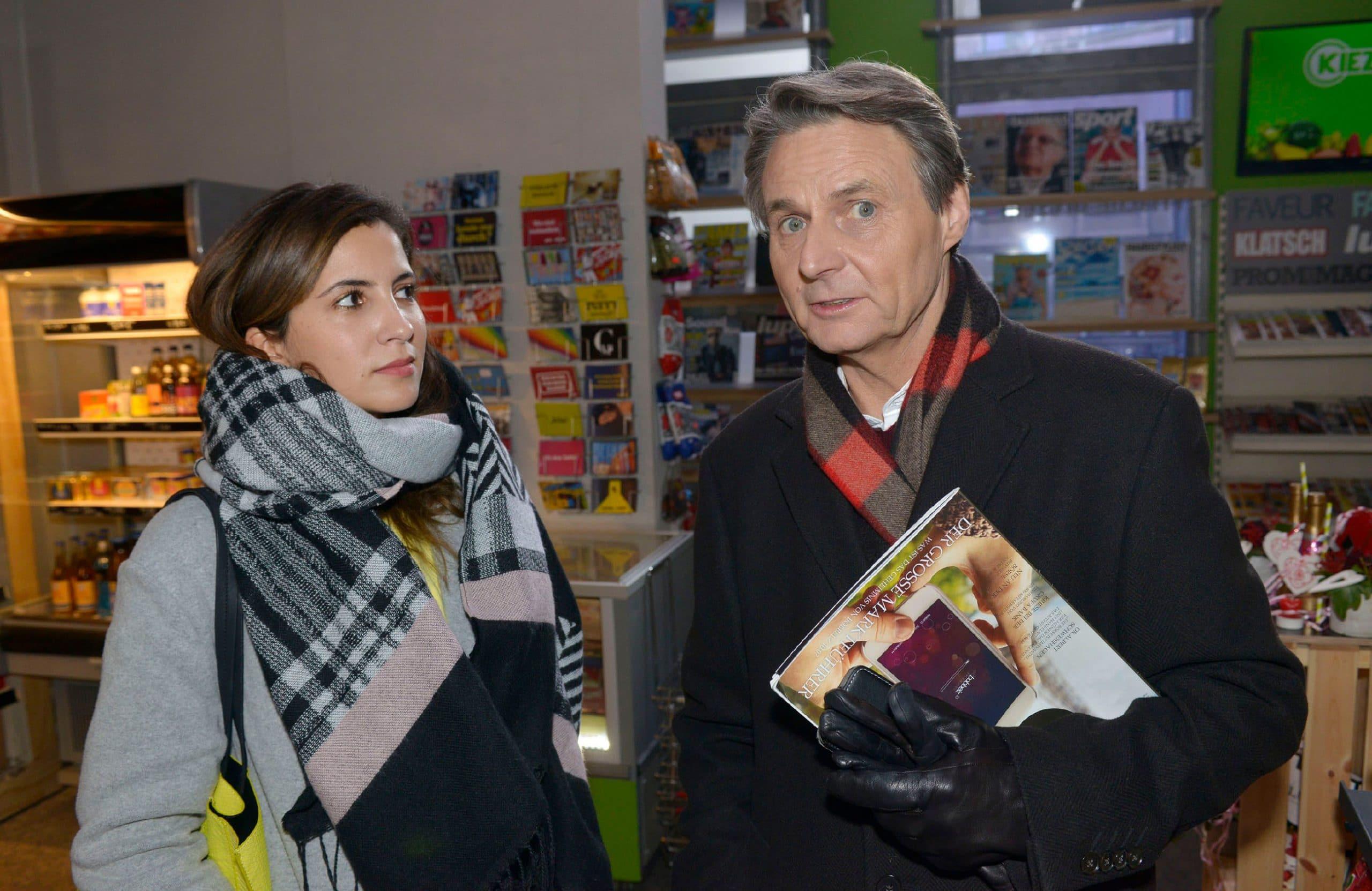 Laura (Chryssanthi Kavazi), Jo Gerner (Wolfgang Bahro)