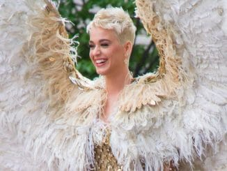 "Katy Perry - ""Heavenly Bodies: Fashion & The Catholic Imagination"" Costume Institute Gala"