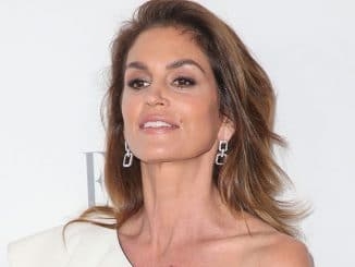 Cindy Crawford - 24th Annual ELLE Women in Hollywood Awards