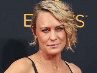Robin Wright - 68th Annual Primetime Emmy Awards - Arrivals