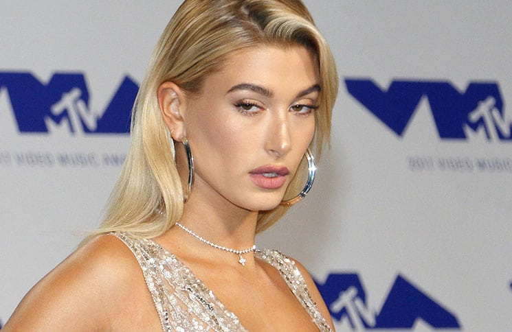 Hailey Baldwin - 2017 MTV Video Music Awards