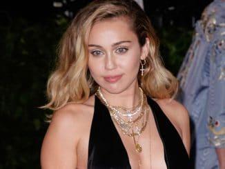 Miley Cyrus löscht alle