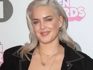 Anne-Marie - BBC Radio 1 Teen Awards 2017