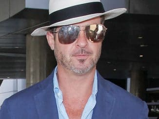 Robin Thicke and April Love Geary Sighted at LAX Airport on October 1, 2017
