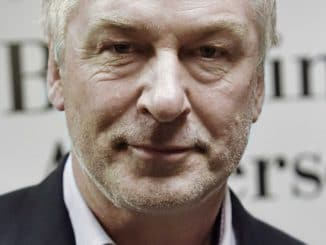 "Alec Baldwin ""You Can't Spell America Without Me"" Book Signing at Barnes & Noble in New York City on November 8, 2017"