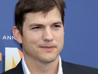 Ashton Kutcher - 53rd Annual Academy of Country Music Awards (ACM) - Arrivals