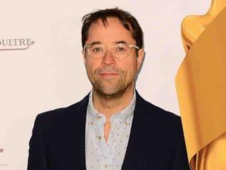 """Jan Josef Liefers über seinen aktuellen Film """"So viel Zeit"""" - Kino News"""
