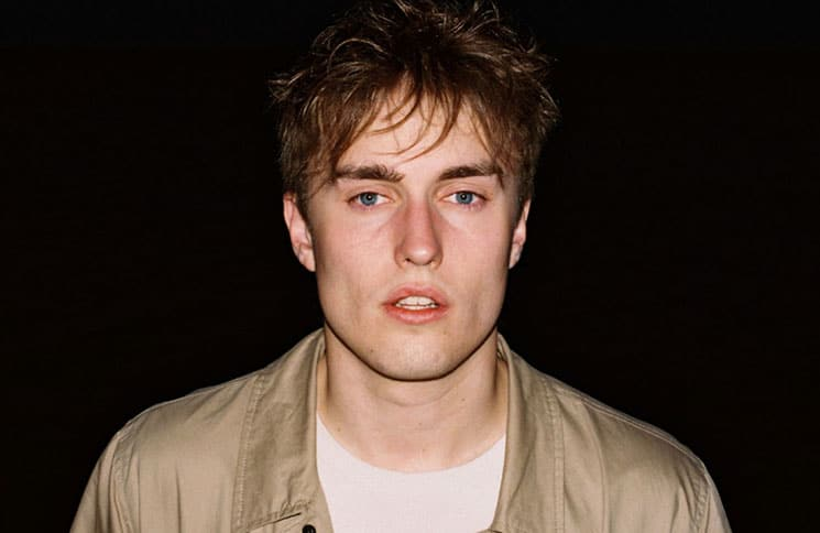 "Sam Fender erklärt seine Single ""Dead Boys"" - Musik News"