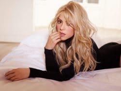 Shakira 189774-49055I41048 big