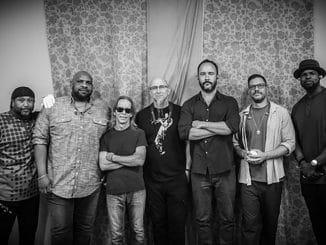 Dave Matthews Band 30351839-1 thumb