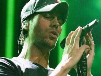 Enrique Iglesias - Y 100 Jingle Ball 2013 at the BB&T Center in Sunrise