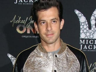 Mark Ronson - Michael Jackson Diamond Birthday Celebration