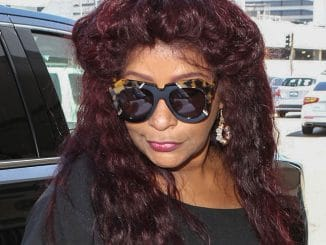 Chaka Khan Sighted at LAX Airport on August 18, 2017