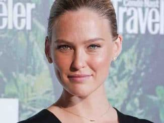 Bar Refaeli - Conde Nast Traveler Awards 2017