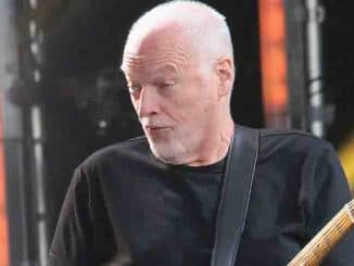 "David Gilmour in Concert on ""Jimmy Kimmel Live!"" in Los Angeles - March 28, 2016"