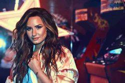 Demi Lovato 30359589-1 big