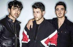 Jonas Brothers 30359493-1 thumb