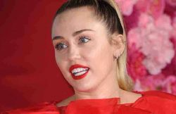 "Miley Cyrus - ""Isn't It Romantic"" World Premiere"