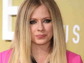 "Avril Lavigne - MGM's ""The Hustle"" Los Angeles Premiere"