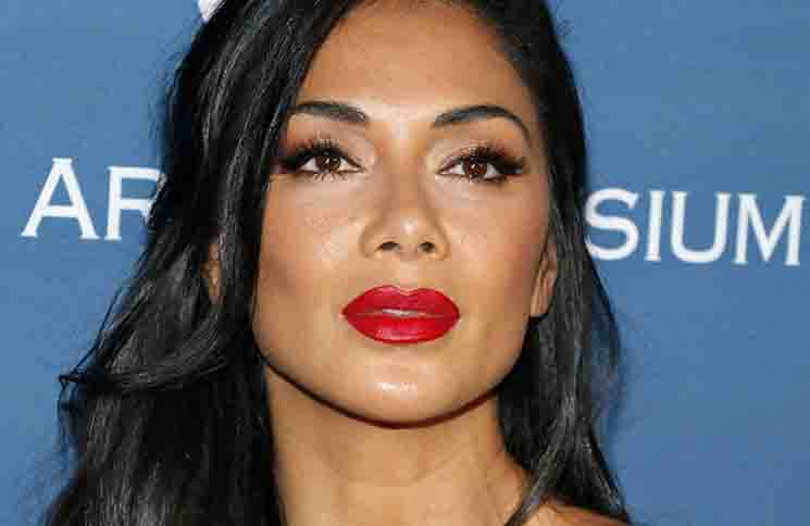nicole scherzinger je h her die haare. Black Bedroom Furniture Sets. Home Design Ideas