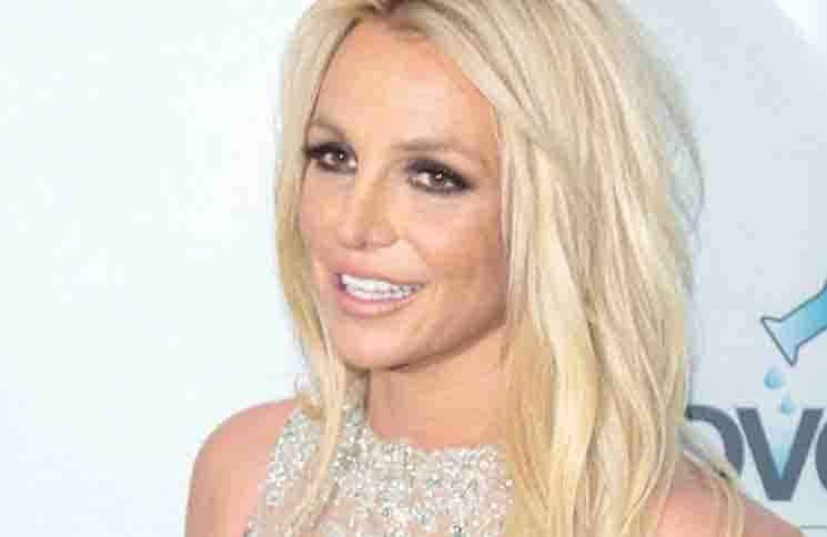 Britney Spears - 4th Annual Hollywood Beauty Awards