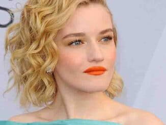 Julia Garner - 25th Annual Screen Actors Guild Awards