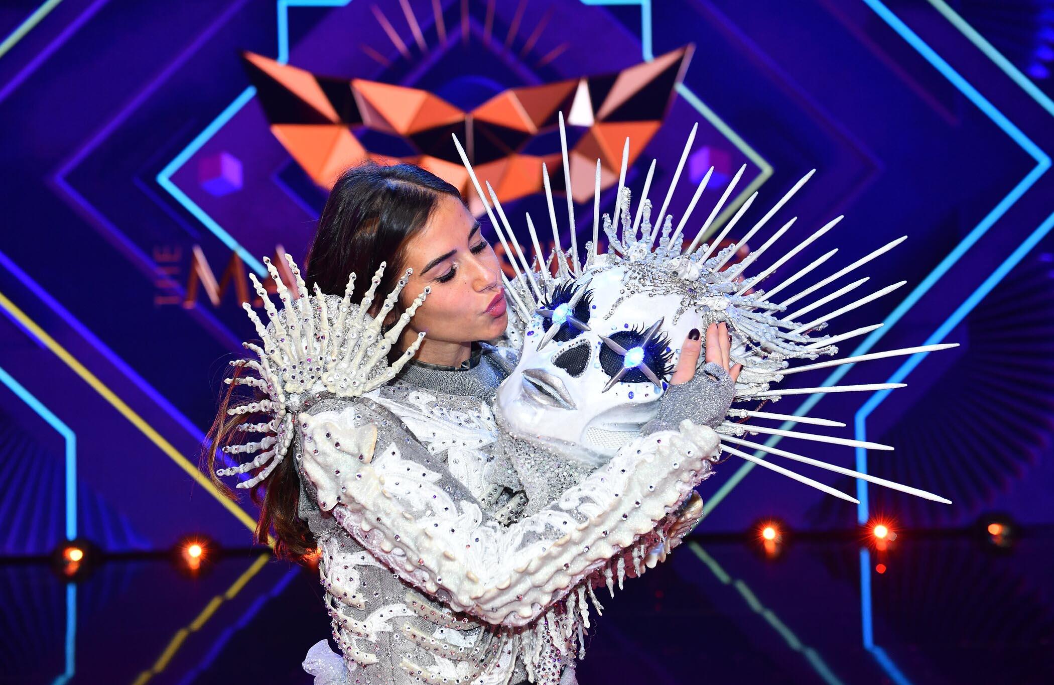 "Sarah Lombardi gewinnt ""The Masked Singer"" als Skelett"