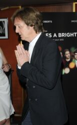 """Paul McCartney - """"Comes a Bright Day"""" UK Premiere"""
