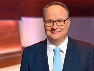 """""""heute-show"""" und """"ZDF Magazin Royale"""" wieder da"""