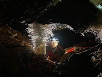 "Dirk Steffens zeigt Windloch-Kristall bei ""Terra X"""