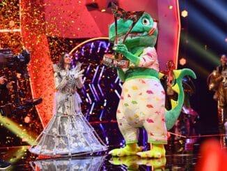 Sasha gewinnt als Dinosaurier #MaskedSinger