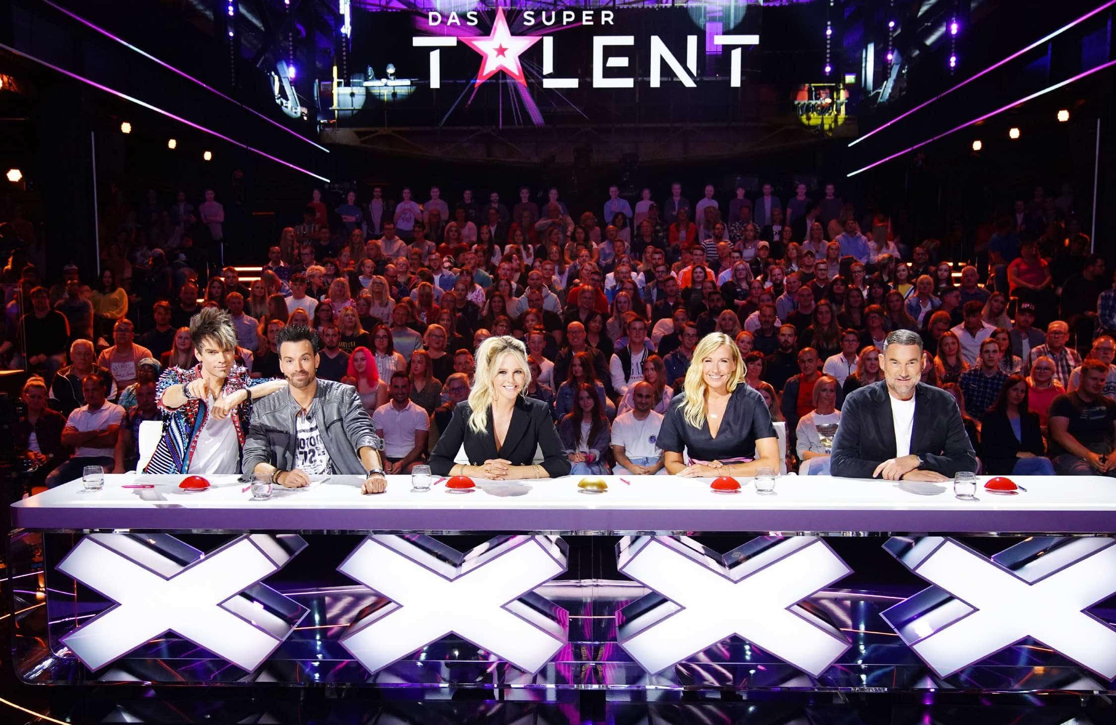 Das Supertalent - Die Jury mit (v.l.) den Ehrlich Brothers, Chantal Janzen, Andrea Kiewel und Michael Michalsky