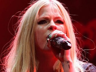 Avril Lavigne - Y 100 Jingle Ball 2013 at the BB&T Center in Sunrise