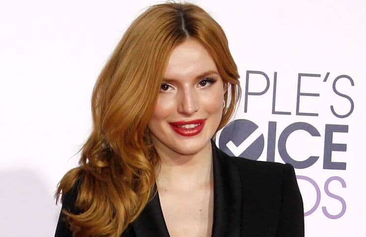 Bella Thorne - The 41st Annual People's Choice Awards